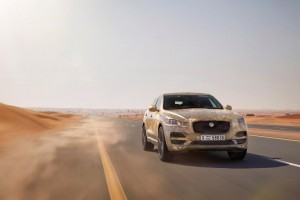 jaguar_fpace_hot_test_image_290715_01_0