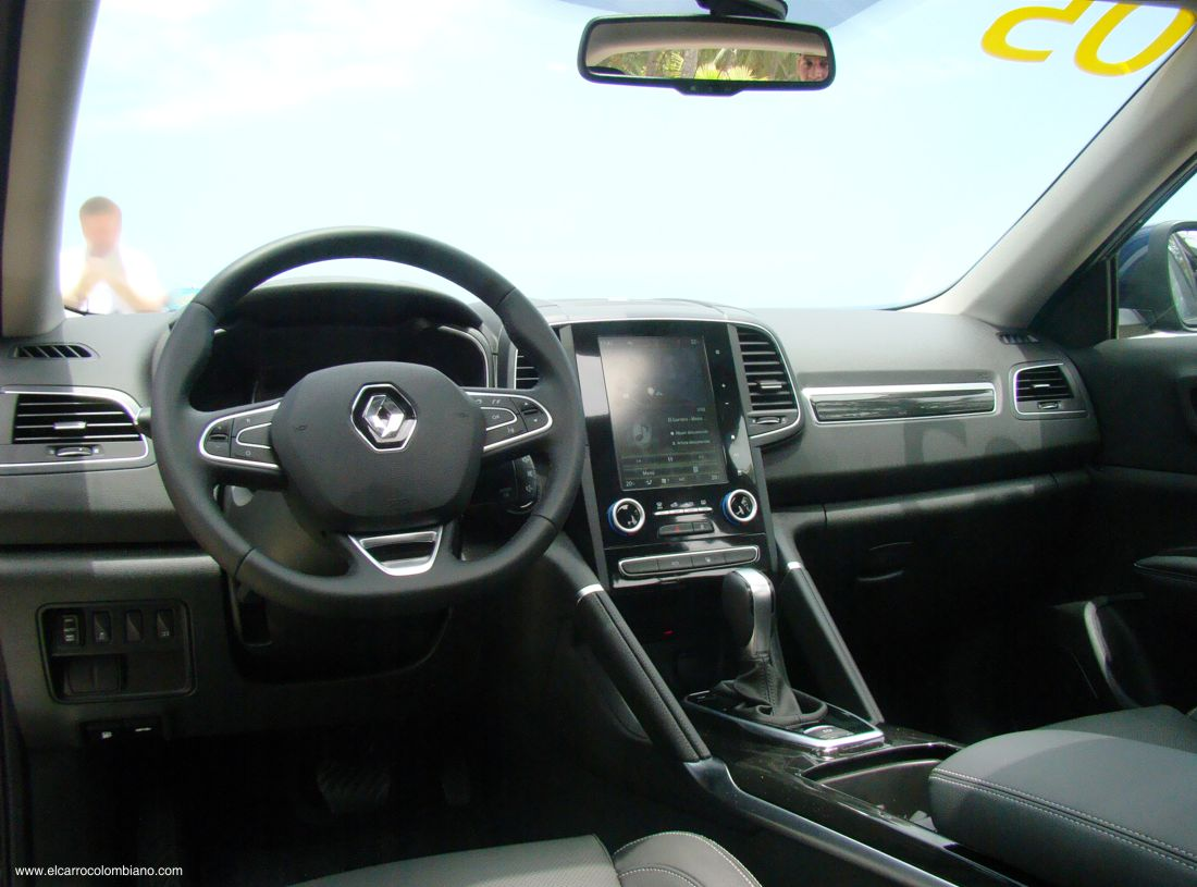 Exclusivit les photos de votre kol os 2018 petit 4x4 for Interieur koleos 2017